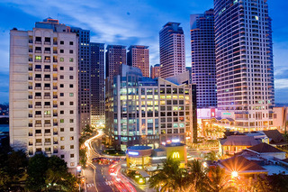 Eastwood-City-Night-031.jpg